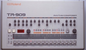 TR 909